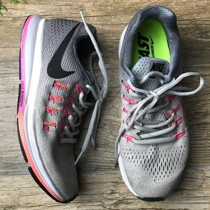 NIKE women running shoes size 6